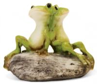 Фигурка жабки на камне