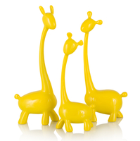 Фигурки жирафов Polly, набор из 3-х шт., желтый